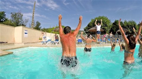 camping les 2 vallées heated pool