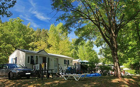 Location mobile-home au Camping Le Peyrelade