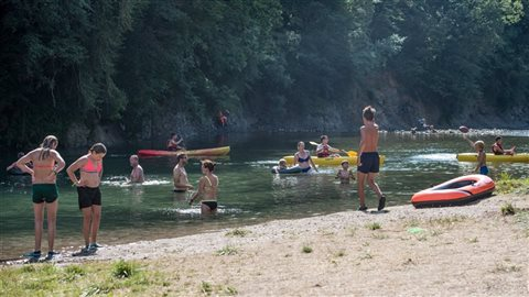Camping St Lambert Millau river side with the beach