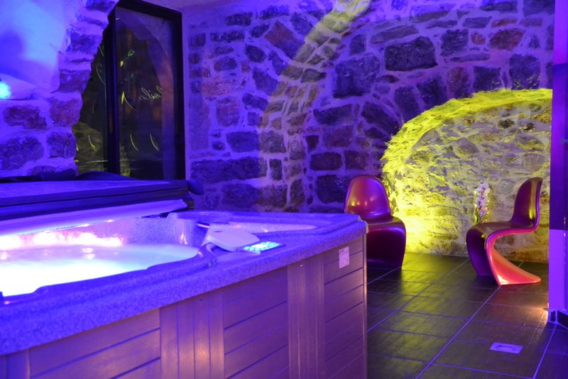 location chambre avec jacuzzi privatif piscine Gorges du Tarn ...