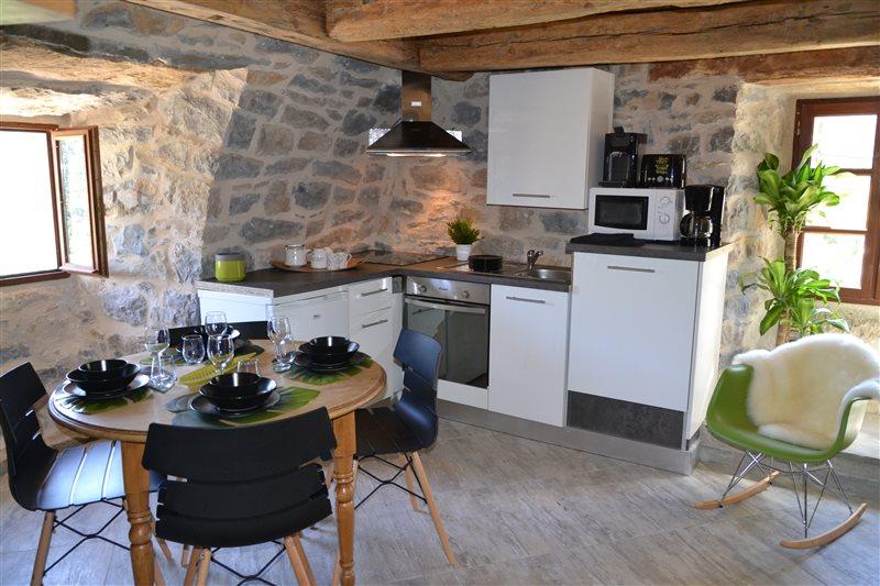 Location Gte Avec Spa Piscine Gorges Du Tarn Proche Viaduc Millau