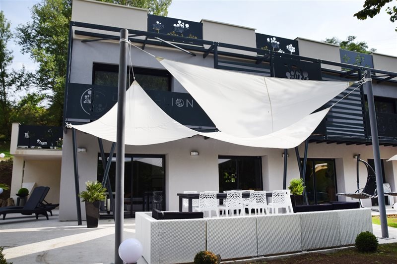 gite avec piscine jacuzzi Gorges du Tarn Millau Aveyron gîte de luxe ...